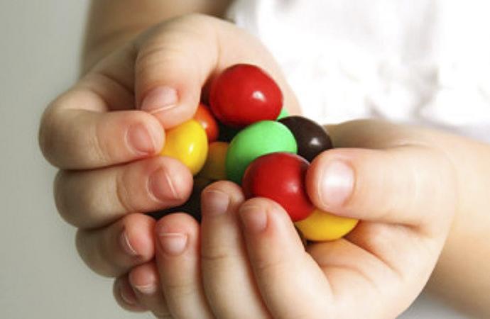 'Şekerli gıda tüketimine ciddi sınırlama getirilmeli'