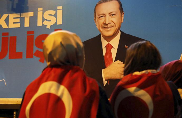 """""""İdeolojik olarak AK Parti üçüncü dönemini yaşamaktadır"""""""