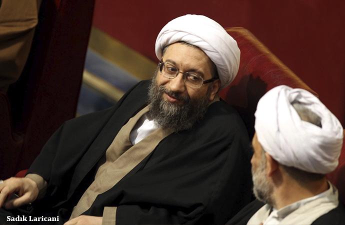İran siyasetinde güç mücadelesi