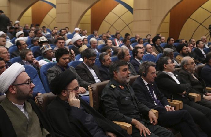 """Tahran'dan """"İslami insan hakları"""" adımı"""