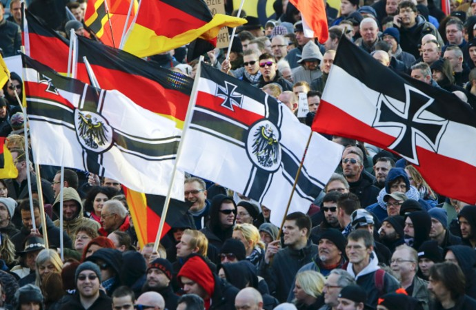 """Almanya'da aşırı sağcılar """"kara listeler"""" hazırlıyor"""