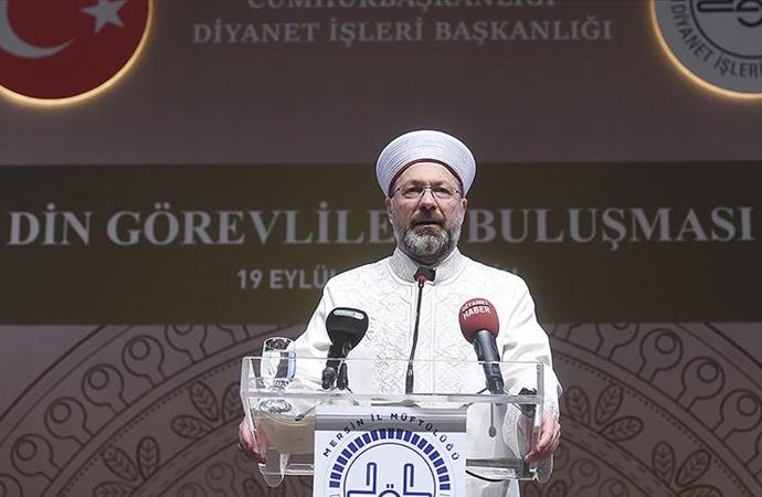 Erbaş, 'Din görevlileri' programında konuştu