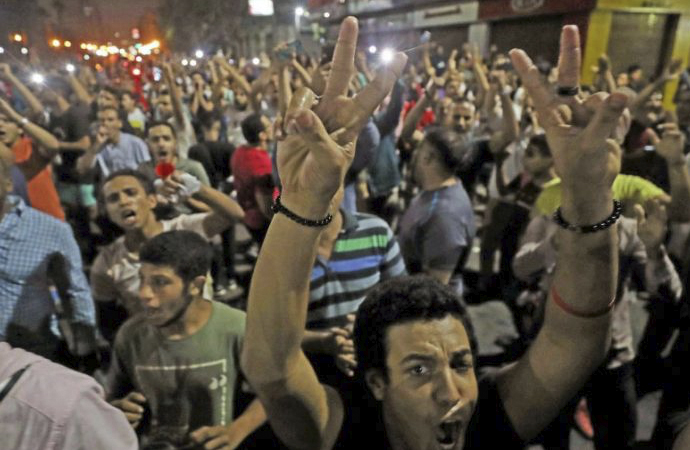 """""""Mısır'da küresel güçlerin, Mısır Statükosu üzerinden değil ama Sisi üzerinden bir kavgası söz konusu"""""""
