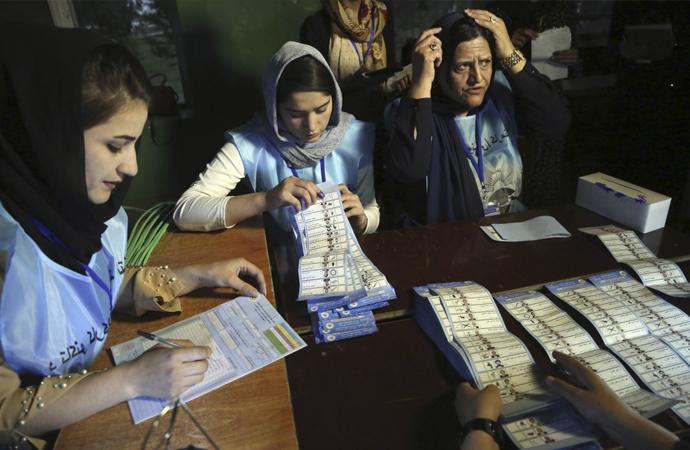 Afganistan'da seçimlere katılım yüzde 20'lerde kaldı