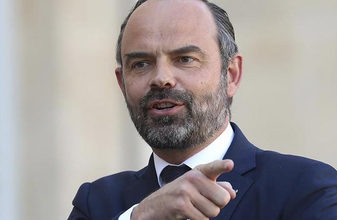 Fransa Başbakanı da dayanamadı!