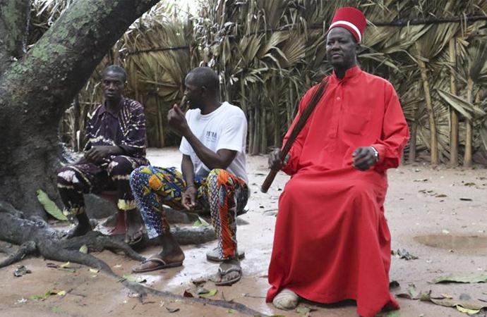 Senegal'de küçük bir animist krallık: Oussouye
