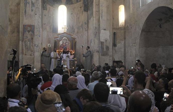 Özel izinle, Ermeni kilisesinde 7. ayin
