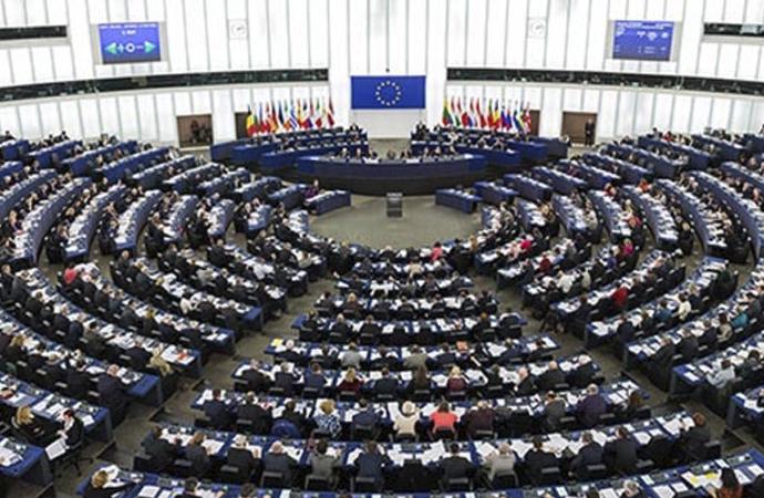 İngilizler Brüksel'de AB'nin talebine karşı çıktı