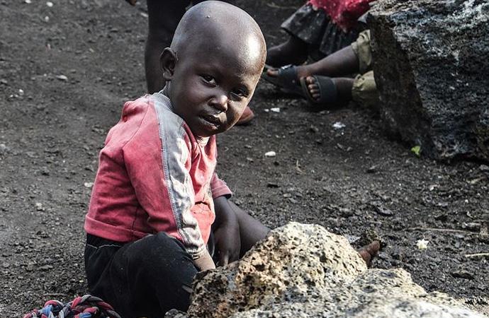 Dünyada 1,3 milyar yoksul yaşıyor