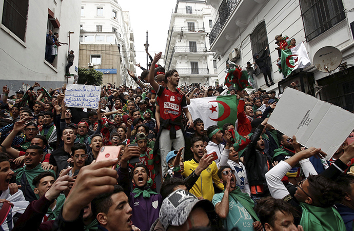 Cezayir'de gizli iktidar mücadelesi