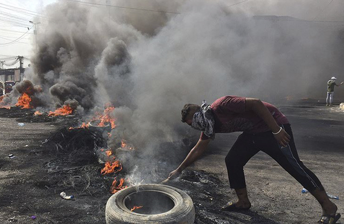Irak'taki protestolar hükümeti sarsıyor