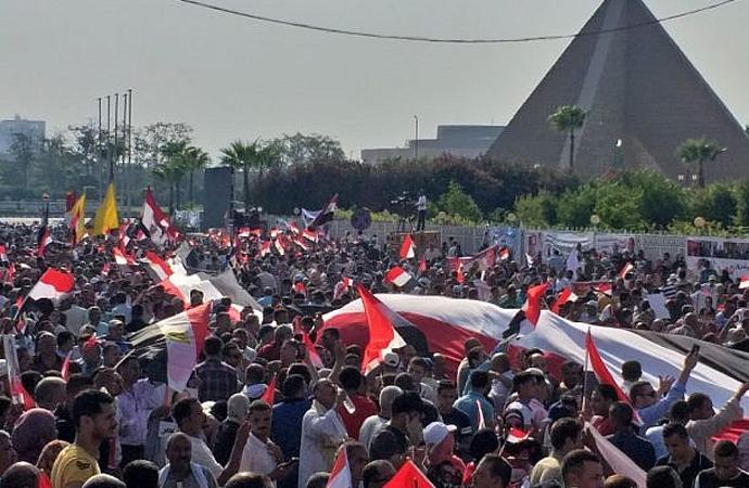 Üç Arap ülkesinde protestolar sonrası gelen vaatler