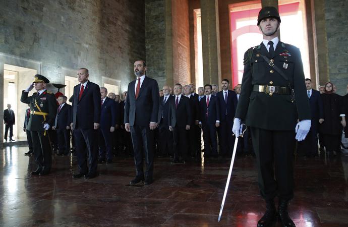 Erdoğan ve devlet erkanı Anıtkabir'de