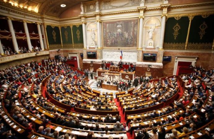 Türkiye'den Fransa'ya 'başörtüsü' tepkisi