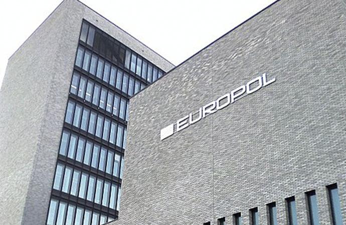 Avrupa Polis Ajansı, DAEŞ'e ait on binlerce site ve hesabı yeni kapattı