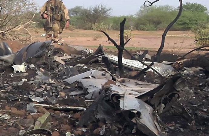 Batı Afrika ülkesi Mali'de Fransız helikopterleri çarpıştı