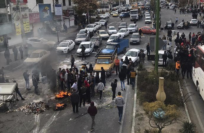 İranlı sosyolog Muidfer: Tedbir alınmazsa arkası gelir