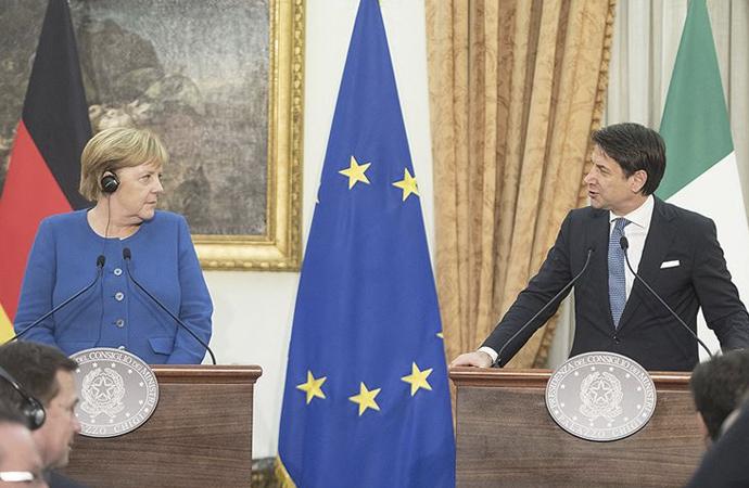 İtalya: 'NATO, siyasi rolünü kaybetmemeli'