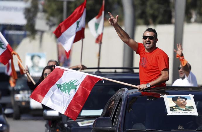 7 soruda Lübnan'daki kitlesel gösteriler