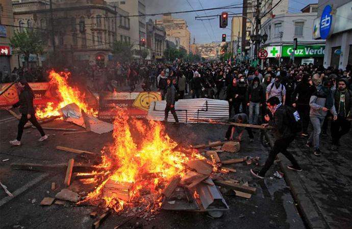 """Şili'deki krizin nedeni """"Metro zammından daha fazlası"""""""