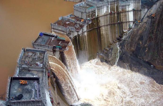 Bir baraj iki ülke: Su savaşı tehlikesi