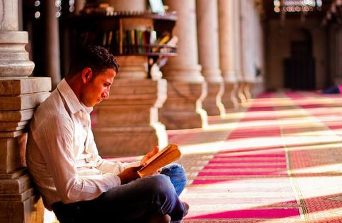 """""""İnsanla İslam arasında engel olmaktan bir an evvel çıkalım"""""""