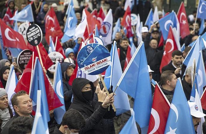 Çin'in Doğu Türkistan zulmü protesto edildi