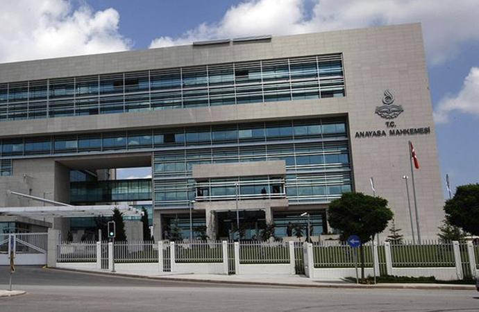 Anayasa Mahkemesi'nden üç siyasi parti için suç duyurusu