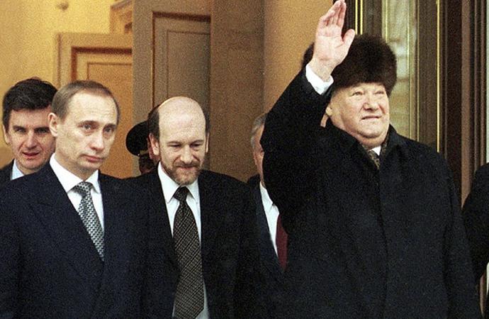 KGB ajanı Putin'i devlet başkanı yapan adam
