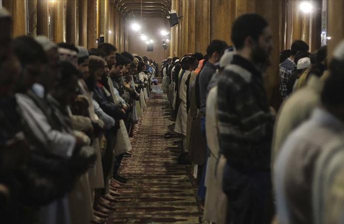 Cammu Keşmir'in en büyük camiinde aylar sonra ilk namaz