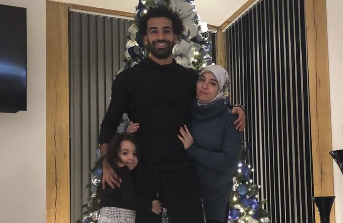 İngiltere'de oynayan Mısırlı Müslüman futbolcudan 'Noel pozu'