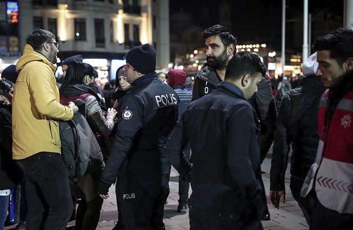 Yılbaşında güvenliği 317 bin polis ve jandarma sağlayacak
