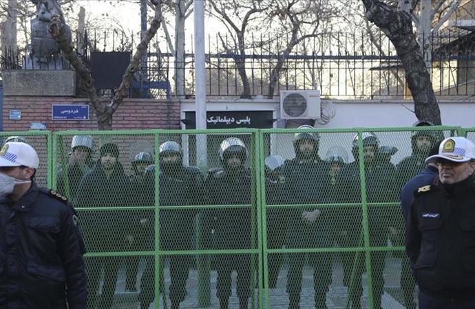 İran İngiltere'yi kınadı, 'elçiliğinizi kapatırız' dedi
