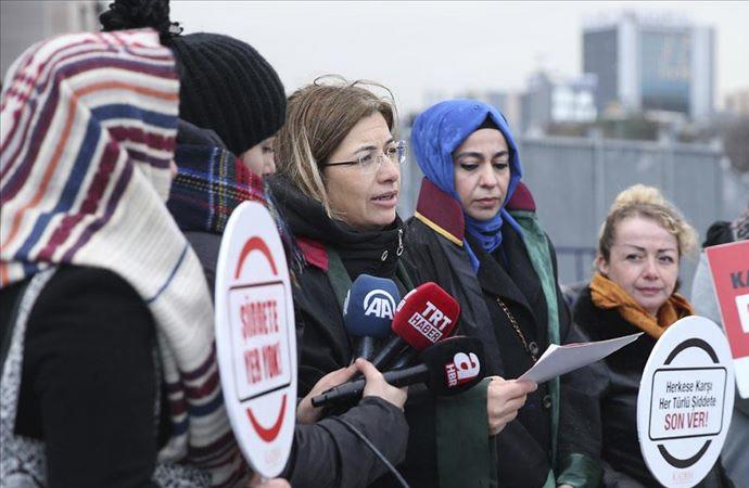 Beşiktaş'ta başörtülü kadına saldırı davası başladı