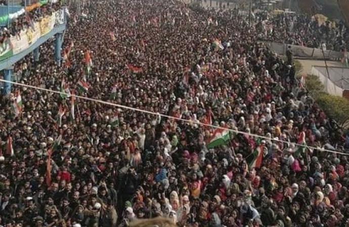 Hindistan'da 'Vatandaşlık yasası'na karşı dev gösteri