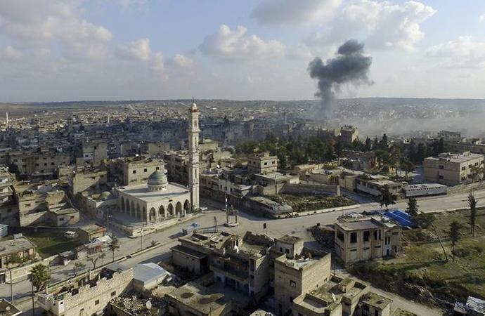 Esad, İdlib'in en büyük ilçesini ele geçirdi