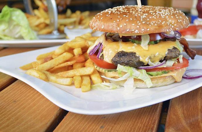 """Türkiye'de """"ev dışında yeme-içme sektörü"""" 19 milyar dolar büyüklükte"""
