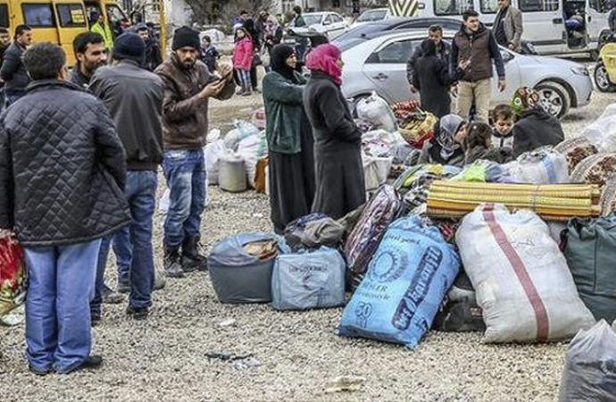 İdlib'te sınıra gelenlerin sayısı 284 bine ulaştı