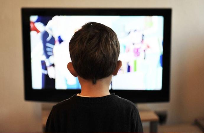 Ortaokul öğrencileri çizgi film değil dizi film izliyor