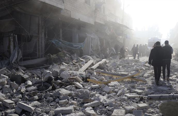 İdlib'deki sivil yerleşimlere saldırılarında 10 kişi daha katledildi!