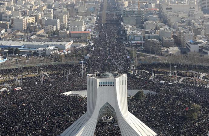 Tahran'da Süleymani için cenaze töreni düzenlendi