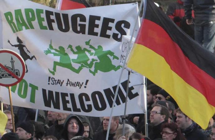 Almanya'da her iki günde bir İslam düşmanı saldırı