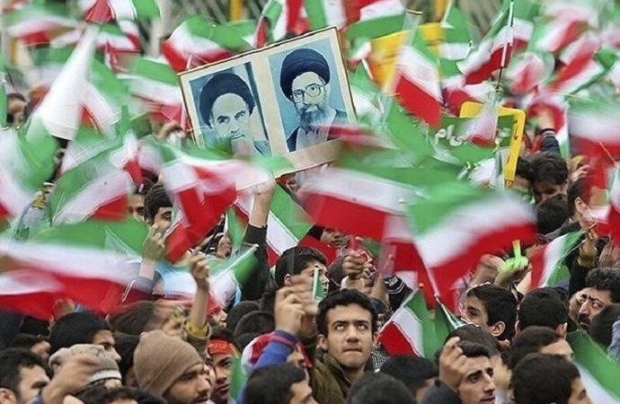 Tahran Ermeni Başpiskoposundan 'Devrim tebriği'