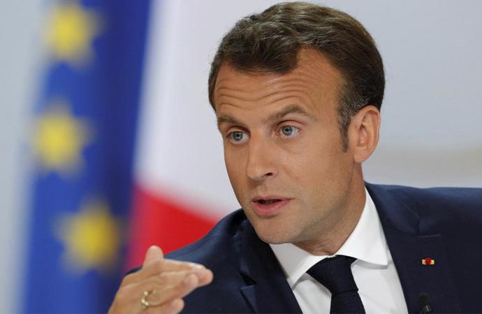 Fransa'da 'dine küfretmek' suç değil!