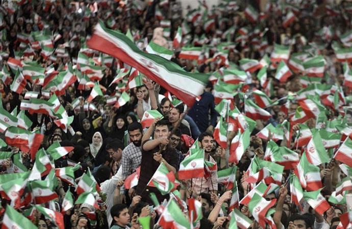 Reformist partiler 'İran Koalisyonu' kurdu