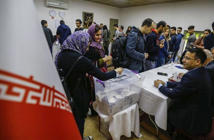 İran'da yarın düzenlenecek seçimin sonuçları merak ediliyor