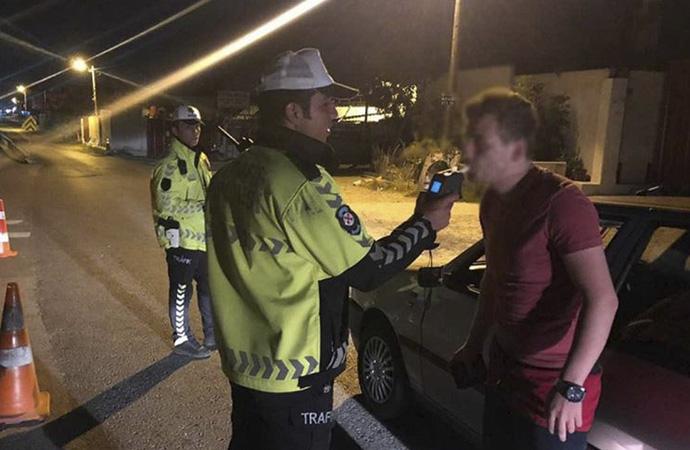Alkol denetimine 1525 sürücü takıldı, 7 sürücüde uyuşturucu tespit edildi