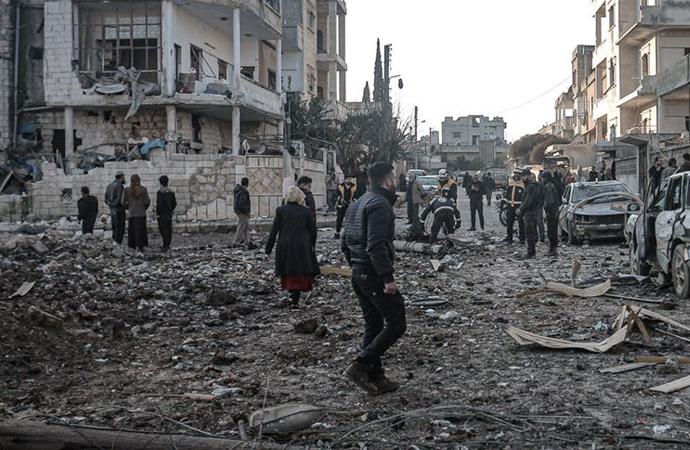 Rus savaş uçaklarının İdlib saldırılarında 4 kişi daha can verdi