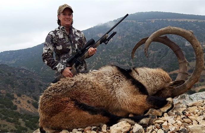 Amerikalı avcılar Adıyaman'da yaban keçisi avında: Bedeli 8 bin lira
