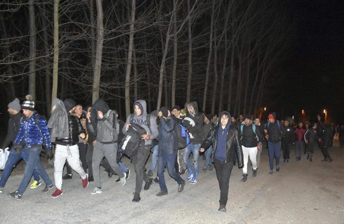 Batı sınırlarında göçmen hareketliliği devam ediyor